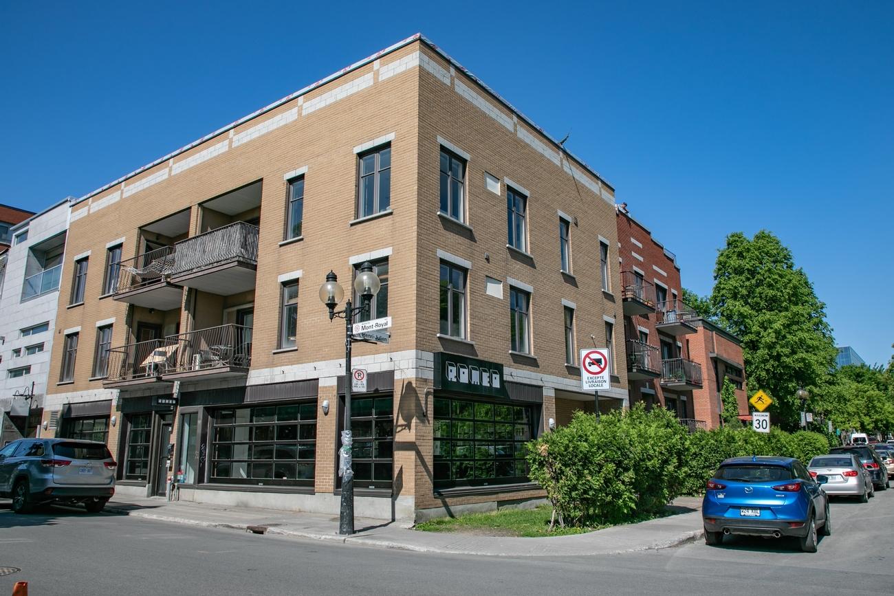 285 Mont-Royal Est